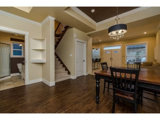 Photo 1: 27943 FRASER HIGHWAY in Abbotsford: Aberdeen House for sale : MLS®# R2136976