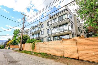 Photo 11: 112 240 MAHON AVENUE in North Vancouver: Lower Lonsdale Condo for sale : MLS®# R2271900