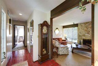 Photo 3: 5495 CANDLEWYCK WYND in Delta: Cliff Drive House for sale (Tsawwassen)  : MLS®# R2332222