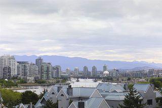 "Photo 17: 505 1425 W 6TH Avenue in Vancouver: False Creek Condo for sale in ""Modena Of Portico"" (Vancouver West)  : MLS®# R2403770"