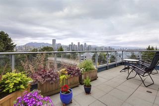 "Photo 8: 505 1425 W 6TH Avenue in Vancouver: False Creek Condo for sale in ""Modena Of Portico"" (Vancouver West)  : MLS®# R2403770"