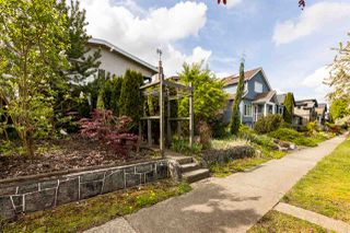 Photo 3: 444 E 38TH Avenue in Vancouver: Fraser VE House for sale (Vancouver East)  : MLS®# R2452399