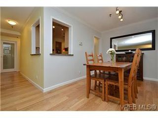 Photo 13: 104 439 Cook St in VICTORIA: Vi Fairfield West Condo for sale (Victoria)  : MLS®# 596917