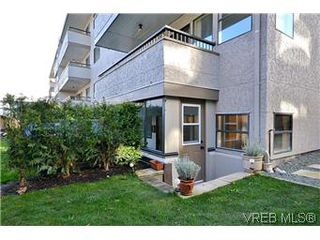 Photo 17: 104 439 Cook St in VICTORIA: Vi Fairfield West Condo for sale (Victoria)  : MLS®# 596917