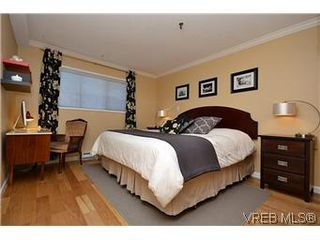 Photo 2: 104 439 Cook St in VICTORIA: Vi Fairfield West Condo for sale (Victoria)  : MLS®# 596917