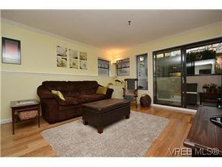 Photo 11: 104 439 Cook St in VICTORIA: Vi Fairfield West Condo for sale (Victoria)  : MLS®# 596917