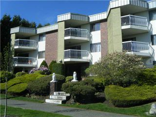 "Photo 1: 101 327 9TH Street in New Westminster: Uptown NW Condo for sale in ""KENNEDY MANOR"" : MLS®# V950273"