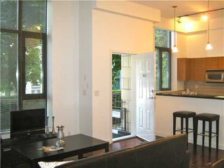 "Photo 1: 901 RICHARDS Street in Vancouver: Downtown VW Townhouse for sale in ""MODE"" (Vancouver West)  : MLS®# V962659"