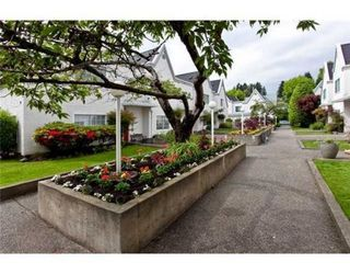 Photo 2: 8 888 W 16TH Street in North Vancouver: Hamilton Townhouse for sale : MLS®# V973821