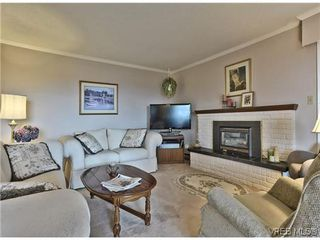 Photo 4: 16 933 Admirals Rd in VICTORIA: Es Esquimalt Row/Townhouse for sale (Esquimalt)  : MLS®# 635217