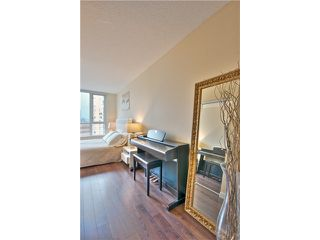 "Photo 8: 1403 1212 HOWE Street in Vancouver: Downtown VW Condo for sale in ""1212 Howe"" (Vancouver West)  : MLS®# V1000365"