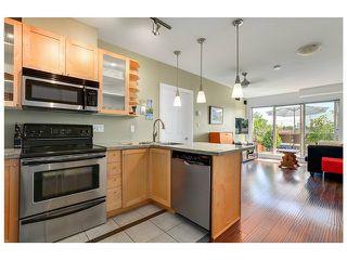 "Photo 4: PH3 702 E KING EDWARD Avenue in Vancouver: Fraser VE Condo for sale in ""MAGNOLIA"" (Vancouver East)  : MLS®# V1073077"