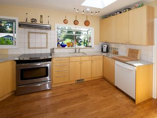 """Photo 5: 1026 PACIFIC Place in Tsawwassen: English Bluff House for sale in """"THE VILLAGE"""" : MLS®# V1075531"""