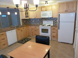 Photo 4: 2D 3031 200 Street in Cedar Creek Estates: Home for sale : MLS®# F1127913