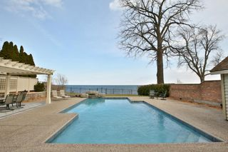 Photo 2: 3210 Shoreline Dr in : 1001 - BR Bronte FRH for sale (Oakville)  : MLS®# OM2069971