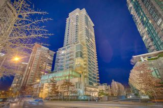"Photo 3: 903 1139 W CORDOVA Street in Vancouver: Coal Harbour Condo for sale in ""HARBOUR GREEN TWO"" (Vancouver West)  : MLS®# R2411117"