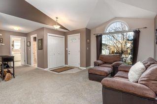 Photo 3: 954 BURROWS Crescent in Edmonton: Zone 14 House for sale : MLS®# E4180841