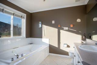 Photo 24: 954 BURROWS Crescent in Edmonton: Zone 14 House for sale : MLS®# E4180841