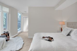 "Photo 10: 603 1925 ALBERNI Street in Vancouver: West End VW Condo for sale in ""Laguna Parkside"" (Vancouver West)  : MLS®# R2429740"