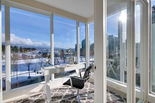 "Photo 3: 603 1925 ALBERNI Street in Vancouver: West End VW Condo for sale in ""Laguna Parkside"" (Vancouver West)  : MLS®# R2429740"