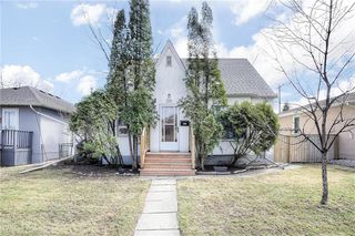 Photo 1: 1160 Warsaw Avenue in Winnipeg: Single Family Detached for sale (1Bw)  : MLS®# 202009235