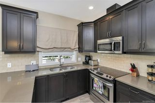 Photo 3: 1238 Bombardier Cres in Langford: La Westhills Single Family Detached for sale : MLS®# 840368