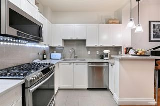 "Photo 10: 2782 VINE Street in Vancouver: Kitsilano Townhouse for sale in ""The Mozaiek"" (Vancouver West)  : MLS®# R2480099"
