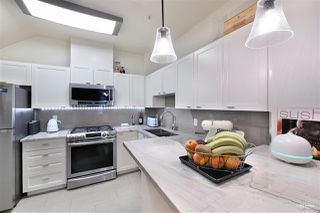 "Photo 9: 2782 VINE Street in Vancouver: Kitsilano Townhouse for sale in ""The Mozaiek"" (Vancouver West)  : MLS®# R2480099"