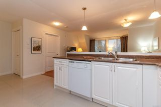 Photo 11: 411 4536 Viewmont Ave in : SW Royal Oak Condo for sale (Saanich West)  : MLS®# 860079