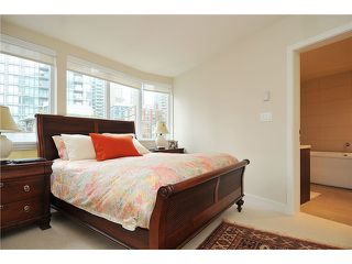 """Photo 7: 502 1277 MELVILLE Street in Vancouver: Coal Harbour Condo for sale in """"Flat Iron"""" (Vancouver West)  : MLS®# V931802"""