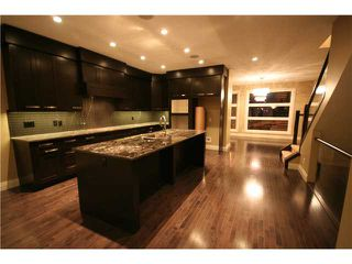 Photo 2: 2233 28 Avenue SW in CALGARY: Richmond Park Knobhl Residential Attached for sale (Calgary)  : MLS®# C3508610
