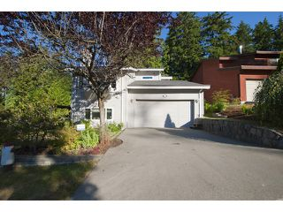 Photo 2: 5615 HONEYSUCKLE Place in North Vancouver: Grouse Woods House for sale : MLS®# V1078891