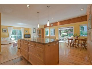 Photo 8: 5615 HONEYSUCKLE Place in North Vancouver: Grouse Woods House for sale : MLS®# V1078891
