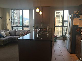 Photo 3: 2709 909 MAINLAND Street in Vancouver: Yaletown Condo for sale (Vancouver West)  : MLS®# V1112329