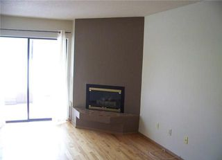 Photo 3: 101B 693 St.Annes Road: Single Family Attached  : MLS®# 1500712