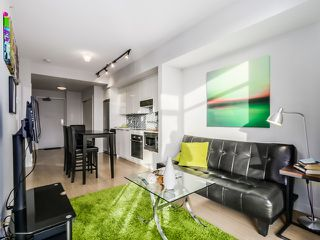 Photo 1: 307 2788 PRINCE EDWARD STREET in Vancouver: Mount Pleasant VE Condo for sale (Vancouver East)  : MLS®# R2046304