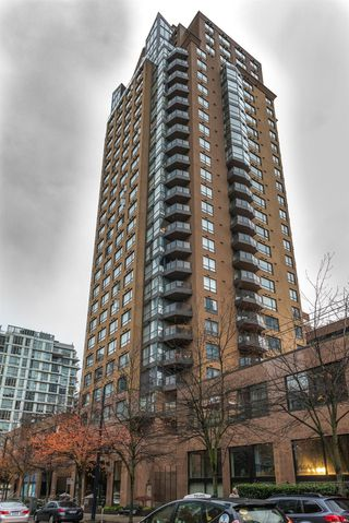 Photo 2: 710-1189 Howe Street in Vancouver: Condo for sale (Vancouver West)  : MLS®# R2121608