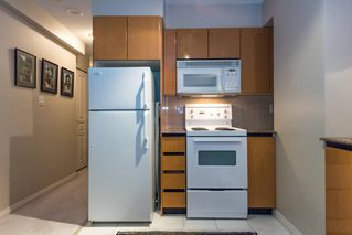 Photo 5: 710-1189 Howe Street in Vancouver: Condo for sale (Vancouver West)  : MLS®# R2121608