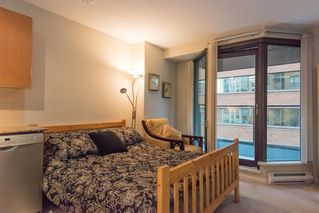 Photo 8: 710-1189 Howe Street in Vancouver: Condo for sale (Vancouver West)  : MLS®# R2121608