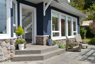 Photo 3: 1774 OCEAN BEACH ESPLANADE in Gibsons: Gibsons & Area House for sale (Sunshine Coast)  : MLS®# R2261367