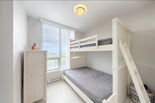 Photo 12: 1508 3093 Windsor Gate in Coquitlam: Condo for sale : MLS®# R2303443