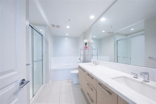 Photo 11: 1508 3093 Windsor Gate in Coquitlam: Condo for sale : MLS®# R2303443