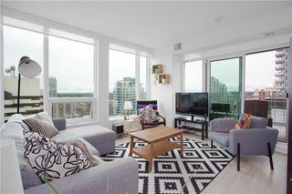 Photo 4: 2002 901 10 Avenue SW in Calgary: Beltline Apartment for sale : MLS®# C4264113