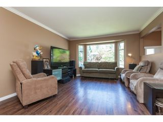 Photo 3: 10235 156A Street in Surrey: Guildford House for sale (North Surrey)  : MLS®# R2402630