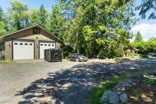 Photo 2: 20078 FERNRIDGE Crescent in Langley: Brookswood Langley House for sale : MLS®# R2423920
