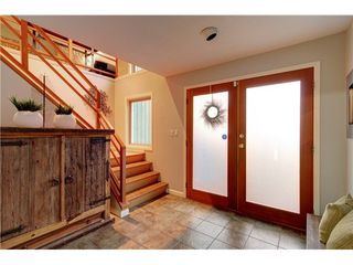 Photo 1: 2025 CARDINAL Crescent in North Vancouver: Home for sale : MLS®# V981605