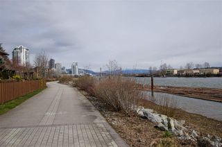 "Photo 15: 311 250 SALTER Street in New Westminster: Queensborough Condo for sale in ""PADDLERS LANDING"" : MLS®# R2445205"