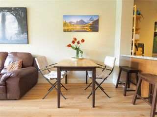 "Photo 7: 218 1211 VILLAGE GREEN Way in Squamish: Downtown SQ Condo for sale in ""Rockcliff"" : MLS®# R2456399"