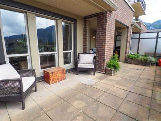"Photo 6: 218 1211 VILLAGE GREEN Way in Squamish: Downtown SQ Condo for sale in ""Rockcliff"" : MLS®# R2456399"