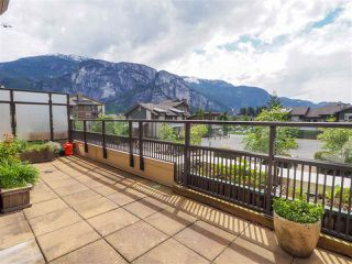 "Photo 3: 218 1211 VILLAGE GREEN Way in Squamish: Downtown SQ Condo for sale in ""Rockcliff"" : MLS®# R2456399"